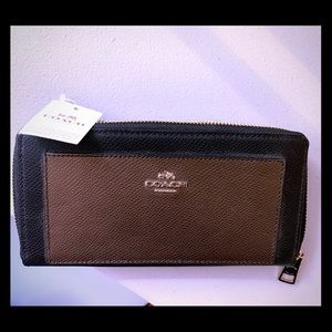 NWT Coach wallet black/brown